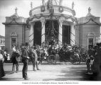 Horse-drawn carriage and visitors outside the Missouri State Building, Lewis and Clark Exposition,...