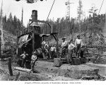 Loading crew and donkey engine, Workman Creek Logging Company, near Elma, ca. 1926