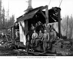 Donkey engine and loading crew, camp 5, Independence Logging Company, ca. 1924