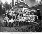 Loggers and mess hall crew, Clemons Logging Company, near Melbourne, ca. 1930