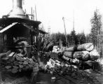 Loading logs onto railroad cars, McDougal and Biladeau Logging Co., Ravensdale.