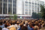 Crowd listening to speeches at the end of the coup d'etat in Moscow, 1991