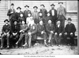 Pioneers of the Olympic Peninsula posing as a group