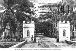 Gate and entrance road, Jolo, Island of Sulu, ca. 1907
