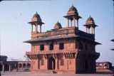 Angle view of Diwan-i-Khas, Fatehpur Sikri, Uttar Pradesh, India, ca. 16th century A.D.