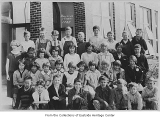 Bellevue Grade School students and teacher, Bellevue, 1925