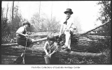 Phyllis, Gretchen, and Glenette Hill at Juanita Creek, Juanita, ca. 1923