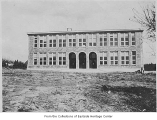Bellevue Grade School building under construction, Bellevue, 1920
