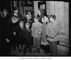 Hungarian refugee family Molnar arrives in Seattle, 1956