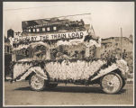 Decorated Buick in Golden Potlatch parade, Seattle, ca. 1913