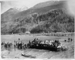 Unloading freight at Skagway, 1898