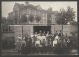 Rainier School with seventh grade class, 1901