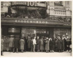 Crowd in front of entrance to Rhodes Ten Cent Store, Seattle, ca. 1924