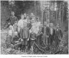 Daling Cut Public School students with Sam Huet, probably in Maple Valley, 1902