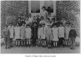 Maple Valley Grade School first grade class with Edith Hansen, Maple Valley, June 1, 1928