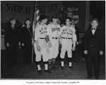 Fred Hutchinson with Rainier Valley VFW members and players, Seattle, 1938
