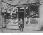 J.A. Shoff clothing store, Kent, 1902