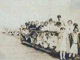 Settlement House girls on an outing, Washington, ca. 1906-1915