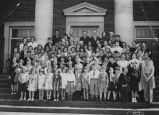 Herzl Congregation students and teachers on synagogue steps, Seattle, 1934