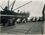 Photo of stevedores, Tacoma, 1929