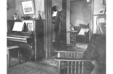Kiehl house interior at 429 West Galer St., Seattle, Washington, 1909