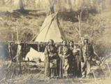 Colville man named Jim Homas and his family, Washington, ca.1907