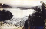 Ice breaking up at Five Finger Rapids in the Yukon River, Yukon Territory, ca. 1899.