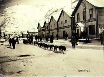 Dogsled team on Front Street, Dawson, Yukon Territory, ca. 1898.
