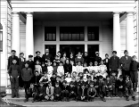 Children posed in front of school, Gold Bar, ca. 1913