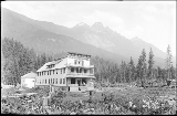 Grandview Hotel and East Index Mountains, 1912