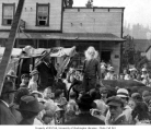Ezra Meeker with crowd at Tenino, probably 1914