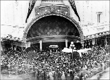 Coliseum Theatre entrance surrounded by crowd, ca. 1916