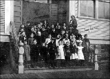 Salmon Bay School, students posed on steps, 1904