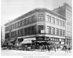Hoge Building at 1st Ave. S and Washington St., ca. 1915