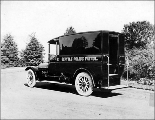 Seattle Police Department patrol vehicle, 1915