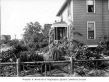 Soule residence garden, 1353 32nd Ave. S., Seattle, 1899-1900