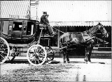 Arlington House horse-drawn coach, 1880