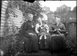Grandma Sarah Gurley Taft and her sisters from Texas (Ada and Elizabeth?) showing her...