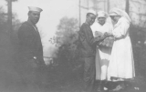 1918 Campus Day showing sailors and first aid providers, University of Washington