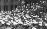 1918 Campus Day showing a crowd of sailors, University of Washington