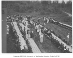 1905 Campus Day showing lunch tables, University of Washington