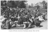 1929 Campus Day showing students on lawn, University of Washington