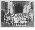 1929 Campus Day showing female students, University of Washington
