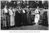 1917 Campus Day showing women near lunch tables, University of Washington