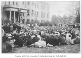 1927 Campus Day showing students on lawn, University of Washington