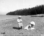 Eugene and Myrtle Van Olinda on a beach, probably Vashon Island, 1905
