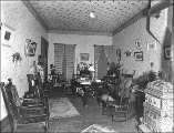 Sitting room in the Sterns home, Hoquiam, Washington, ca. 1910
