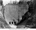 Construction of southern face of dam, August 3, 1925