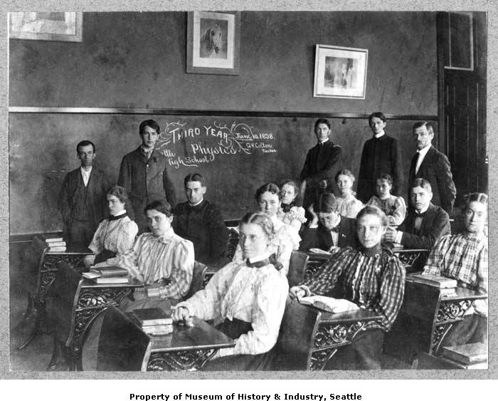 Clase de tercer año de física en Seattle High School, 10 de junio de 1898