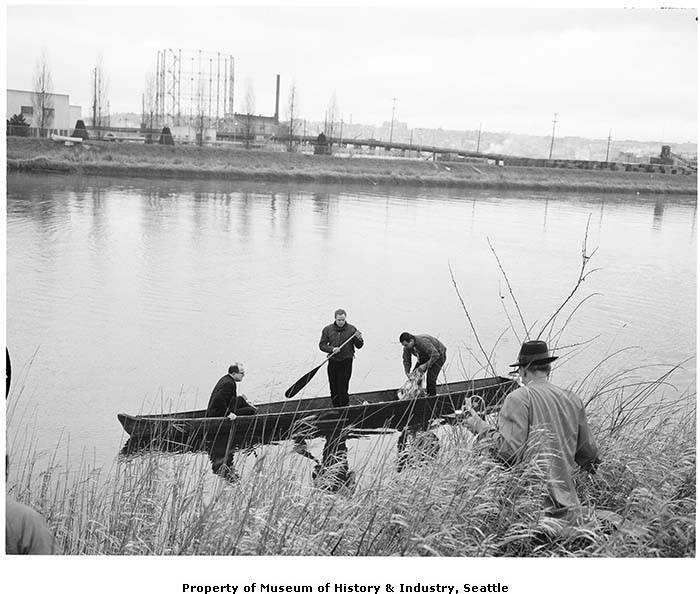 John Yaryan, Marlon Brando, and Bob Satiacum on Puyallup River